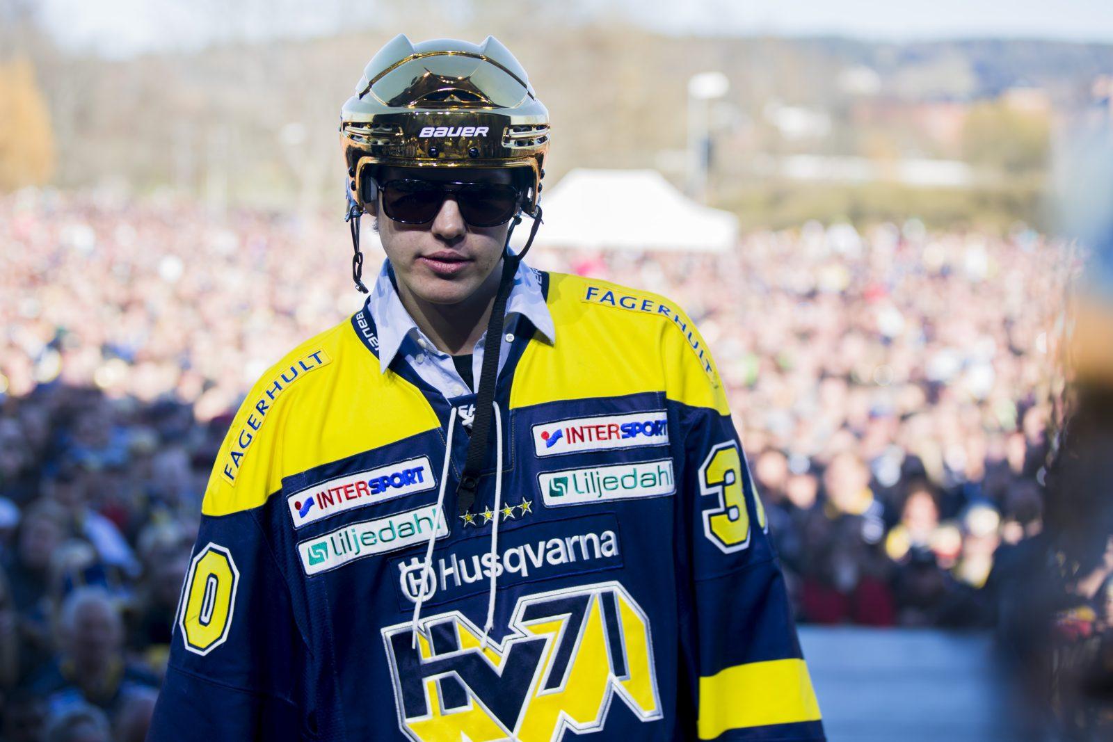 Efter guldsuccén – skriver NHL-kontrakt