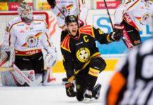 Brynäs Jacob Blomqvist jublar efter sitt mål i åttondelsfinal 2 Foto: Bildbyrån