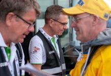 Niclas och hans kollegor utför visitering på matcherna i Köpenhamn