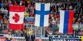 Finska flaggan i topp.