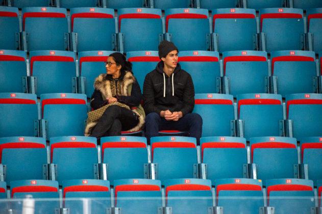 PUBLIKFIASKOT: 637 åskådare såg AIK ta en sällsynt trepoängare