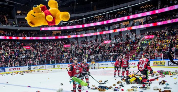 MALMÖ: Nallekastning i Malmö Arena