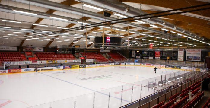 Det är dags för näst sista omgången av Hockeyallsvenskan och Hockeybladet följer Almtuna-Kristianstad. Det är tung streckdramatik om vilka som ska slippa kvala.