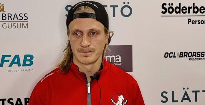 BOMBEN: NHL-spelaren skriver på för hela säsongen