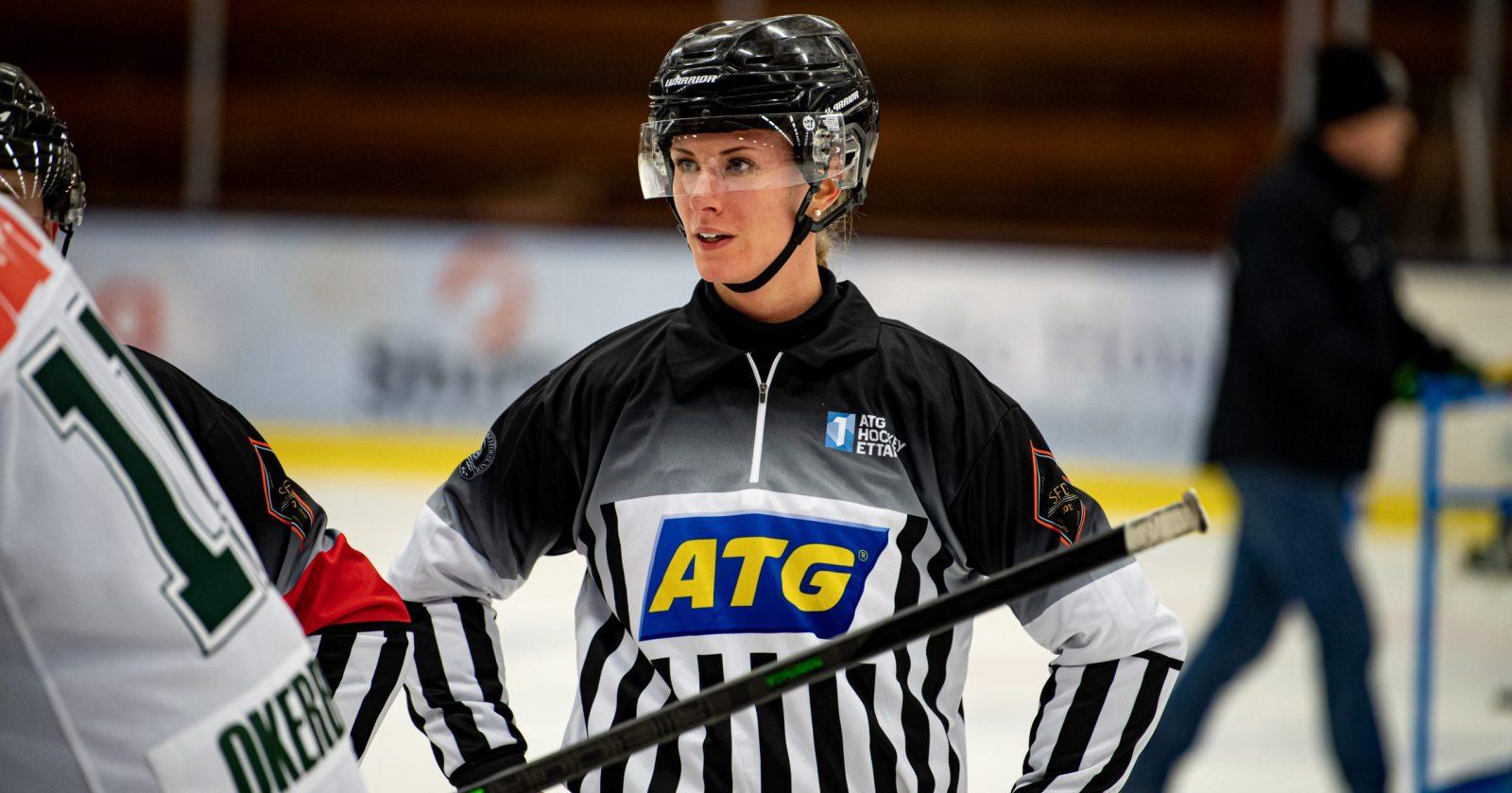 Hon gör sin femte säsong på linjen i Hockeyettan